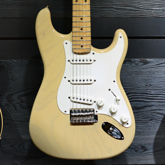 [중고] Fender USA Custom Shop '54 Reissue Stratocaster Blond 1993'